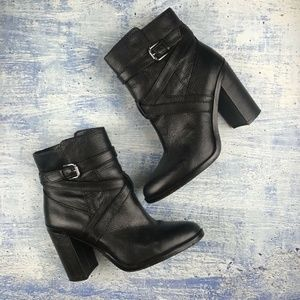 Vince Camuto Gravell Booties in black